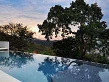 casa nida pool